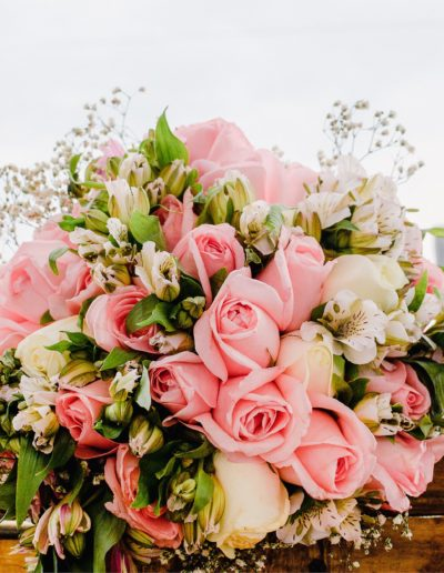 Traditional and Classic Wedding Bouquet for traditional wedding